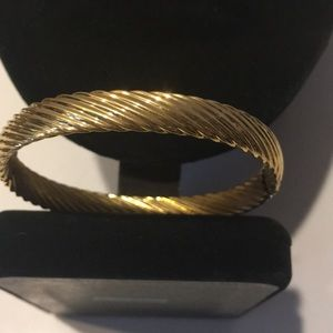 Vintage Monet ribbed design gold tone bracelet